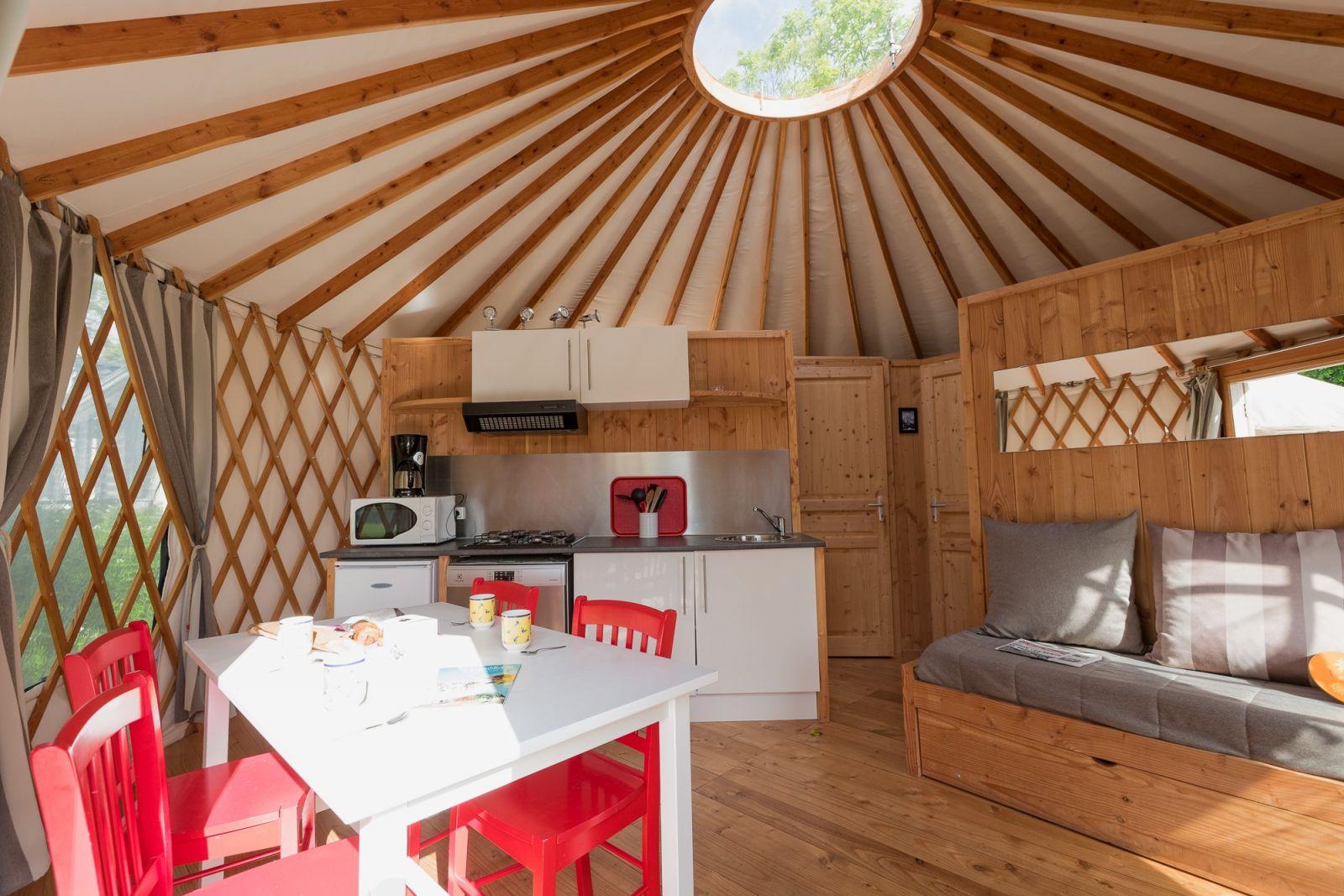 Salle De Bain Petit Espace Couloir ~ Yourte H Bergement Insolite Camping Bretagne Atlantique