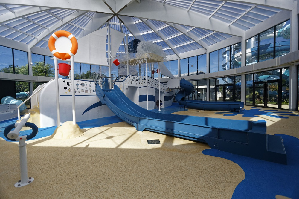 camping finistere avec piscine couverte